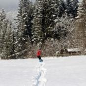 Ten taťka se ale nadře v tom hustém sněhu