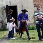 pirát vyměnil poklad za penízky