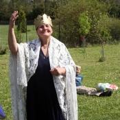 teta Marta, coby královna