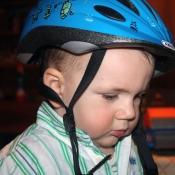 Správný cyklista nosí helmu