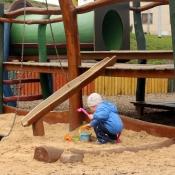 Pískuji na dětském hřišti