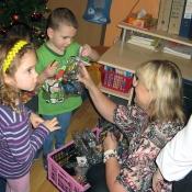 rozdávání dárečků