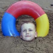 Zahrabaný v písku
