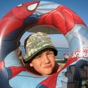 U vody mě hlídal spiderman.