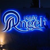 Loučí se s Vámi Porto Angeli.