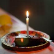 Každý dostal svou svíčku.